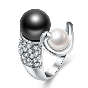 Wit Vergulde Ring - Zwarte en Witte Parel